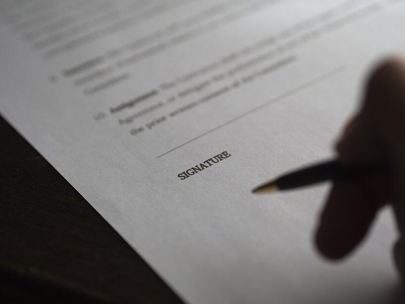 business_signature_contract_deal_paperwork_hand_ready_to_write-854897.jpg